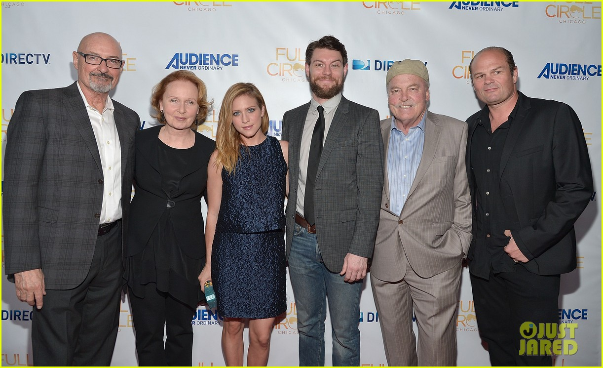 brittany snow patrick fugit reunite with full circle cast 033327740