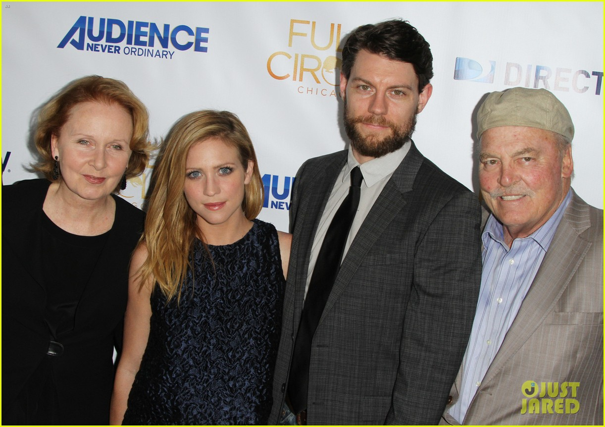 brittany snow patrick fugit reunite with full circle cast 083327745
