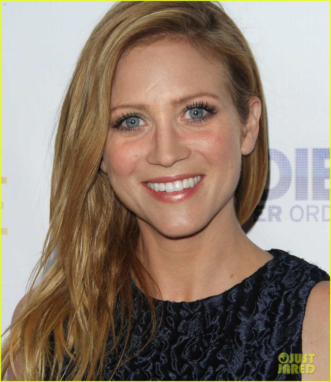 brittany snow patrick fugit reunite with full circle cast 093327746