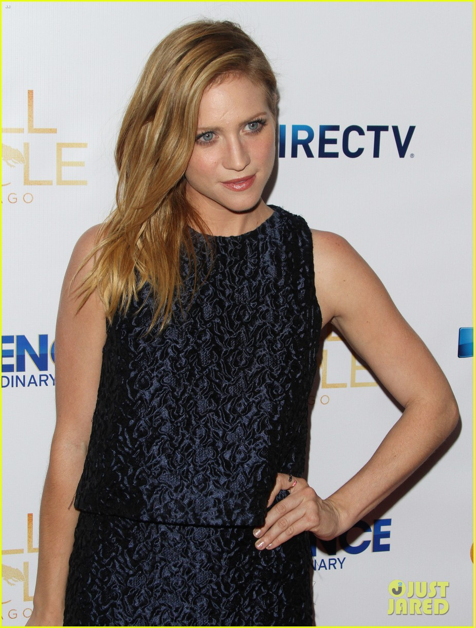 brittany snow patrick fugit reunite with full circle cast 103327747