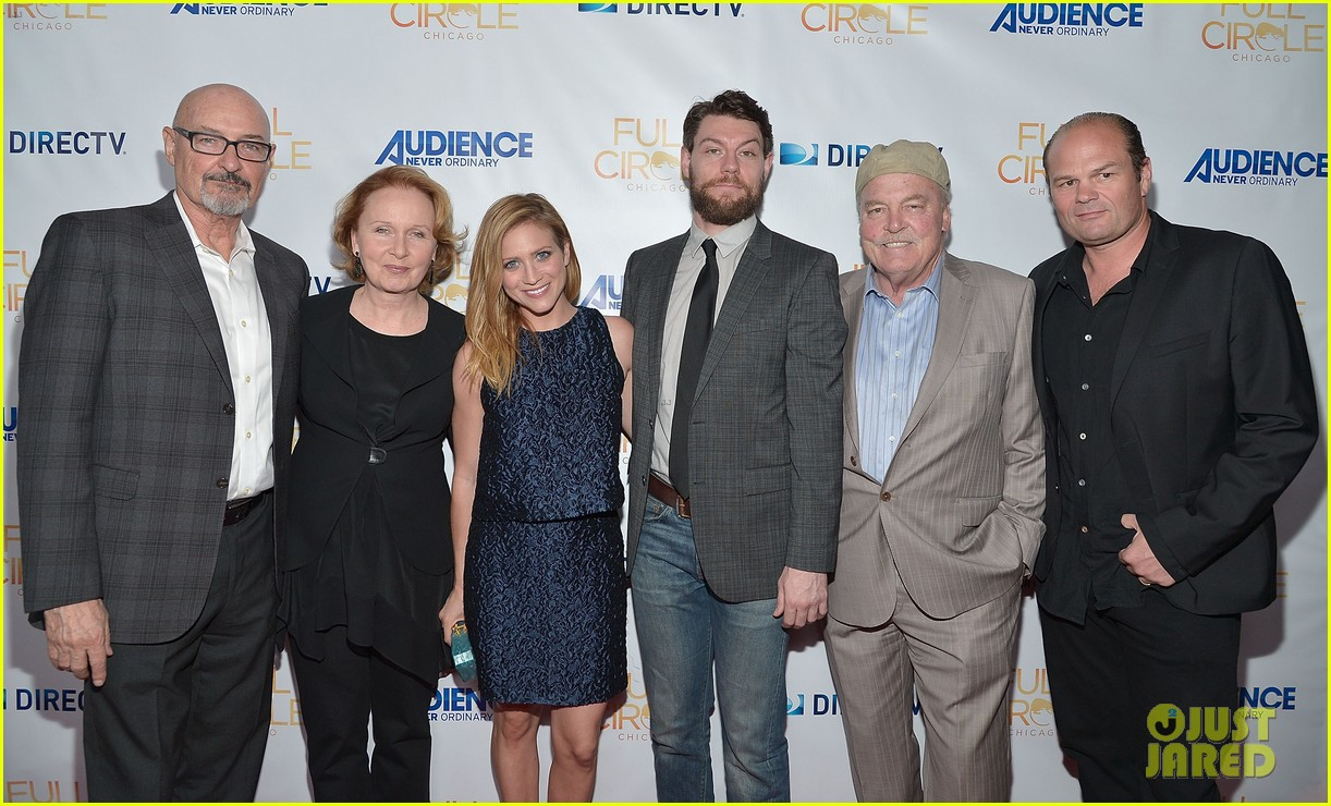brittany snow patrick fugit reunite with full circle cast 163327753