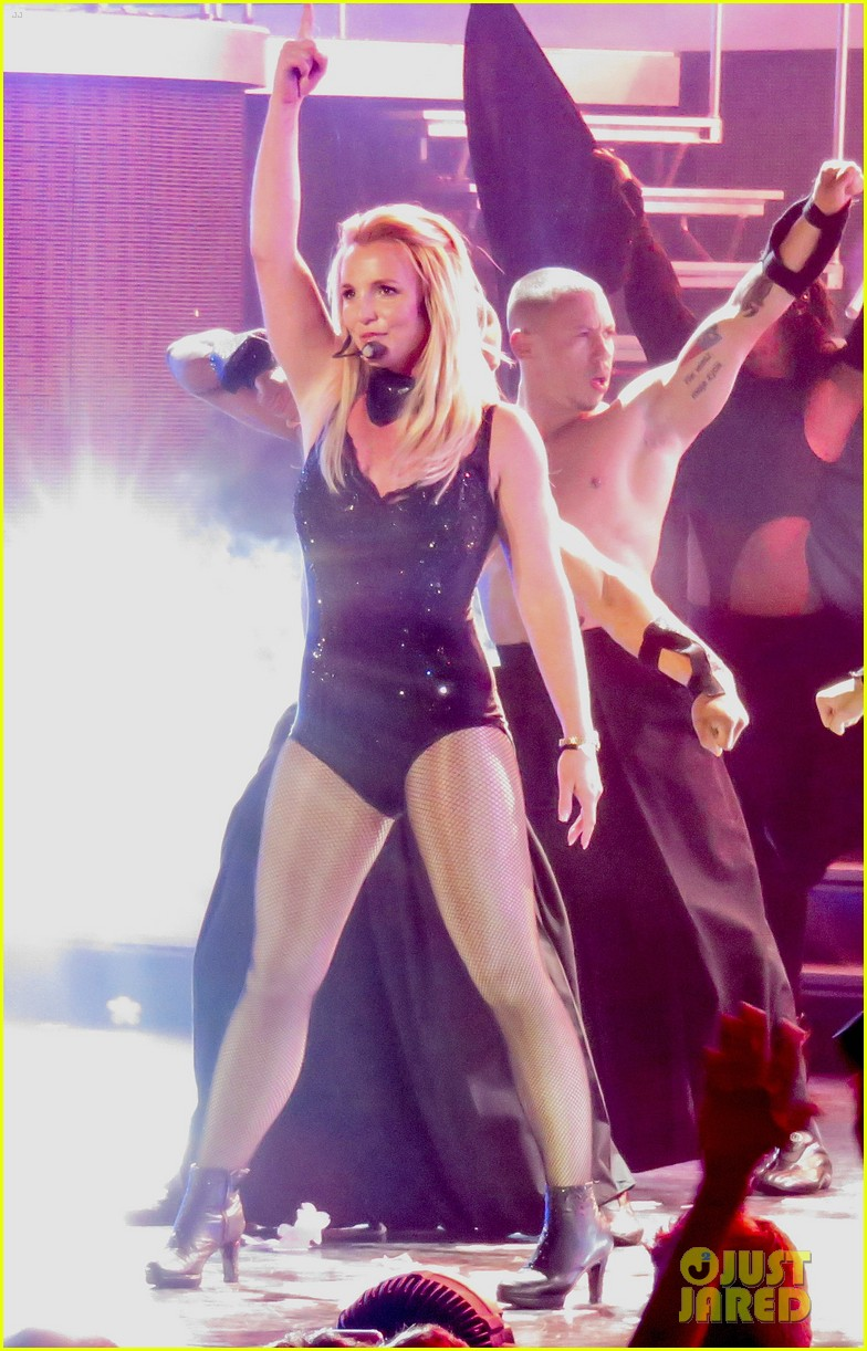 Britney Spears Hair Extensions Fall Out While Performing Watch