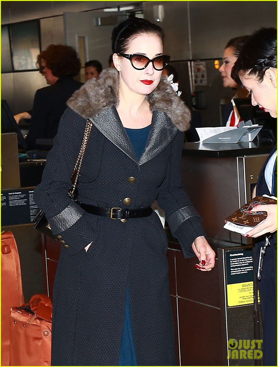 2cd5552fe185 Dita Von Teese Jets Out of Los Angeles in Style  Photo 3331566 ...