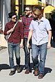 elijah wood out with friends for lunch 09
