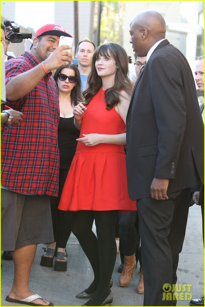 zooey deschanel hide pregnancy new girl 073334363