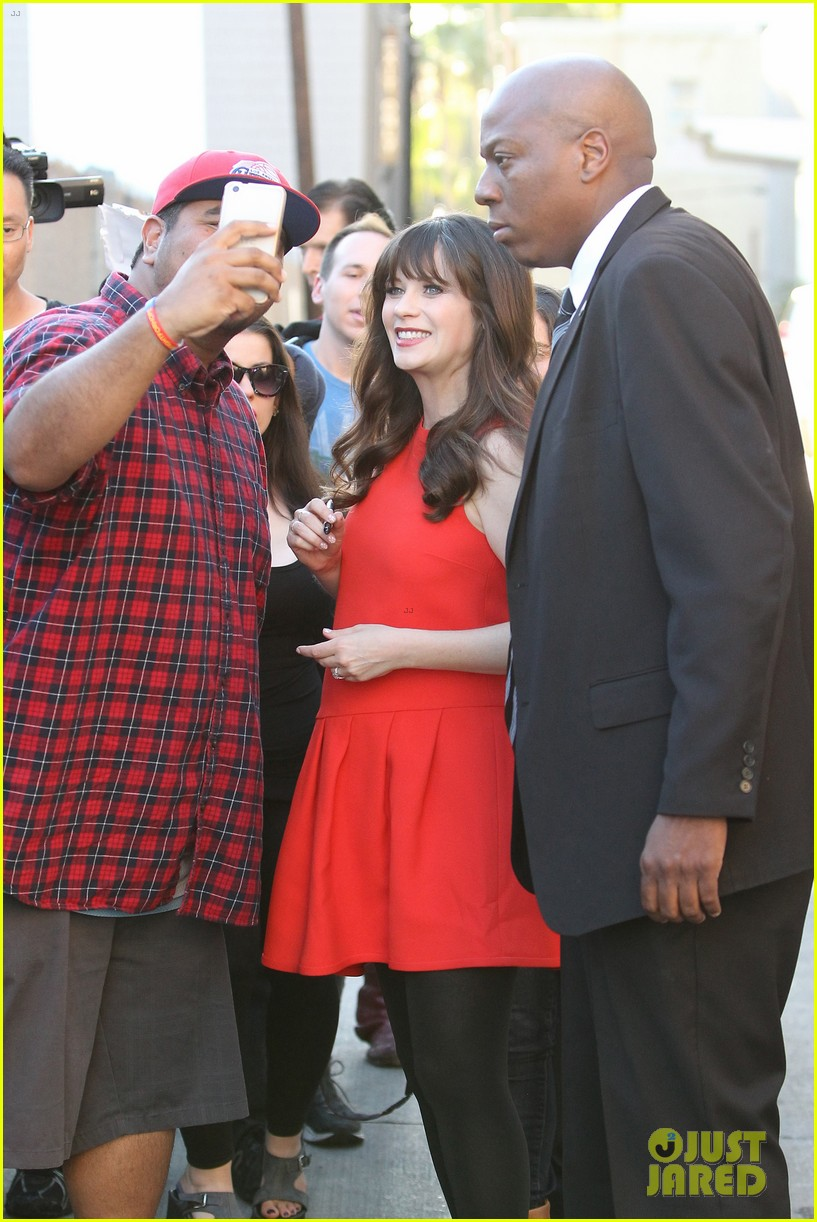 zooey deschanel hide pregnancy new girl 113334367