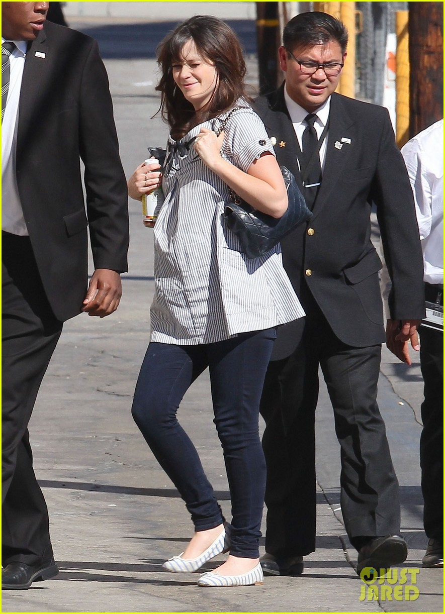 zooey deschanel hide pregnancy new girl 273334383