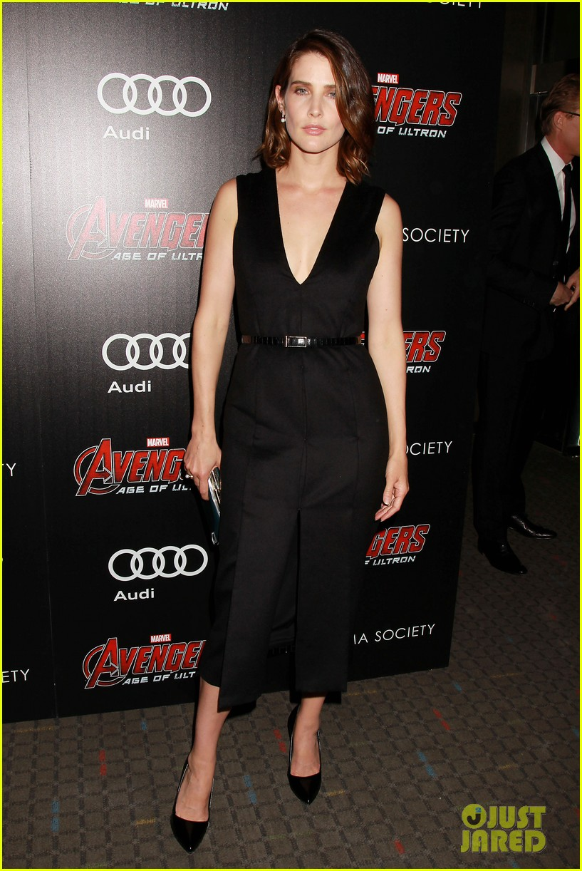 http://cdn01.cdn.justjared.com/wp-content/uploads/2015/04/avenge-nyc/avengers-cast-step-out-for-new-york-city-premiere-04.jpg