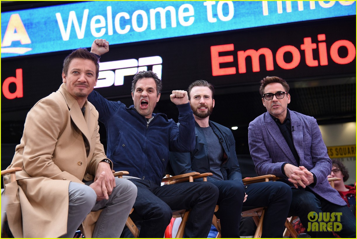 http://cdn01.cdn.justjared.com/wp-content/uploads/2015/04/avengers-gma/the-avengers-assemble-while-the-movie-breaks-records-11.jpg
