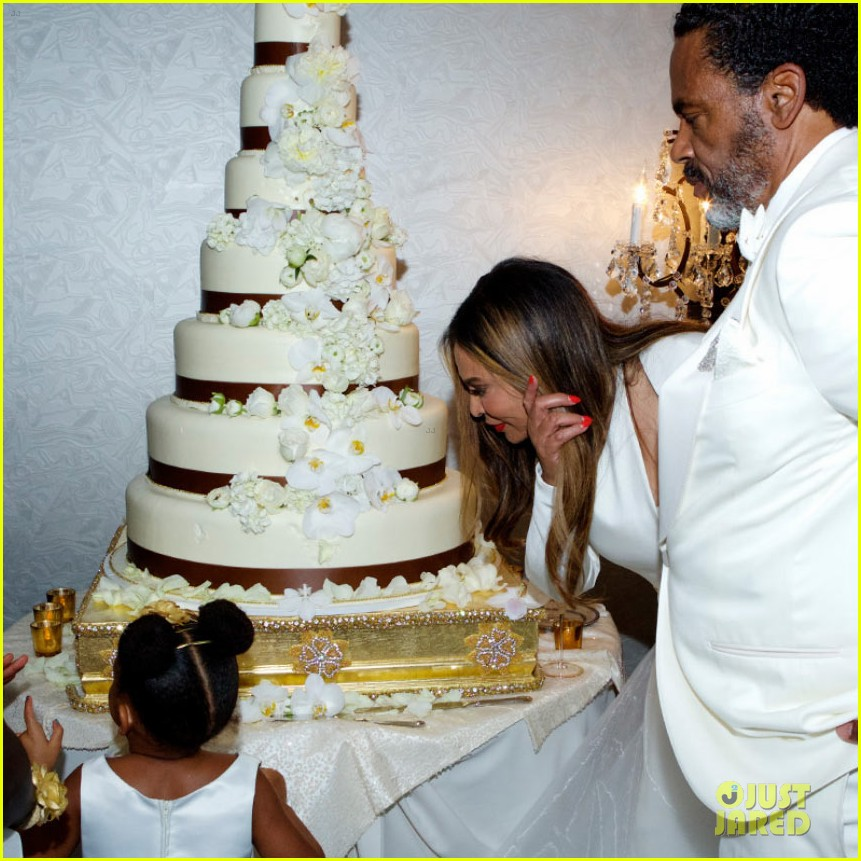 Beyonce Jay Z Blue Ivy Make Funny Faces At Tina Knowles Wedding Photo 3355128 Alan Ferguson Beyonce Knowles Bianca Lawson Blue Ivy Carter Celebrity Babies Daniel Smith Jay Z Richard