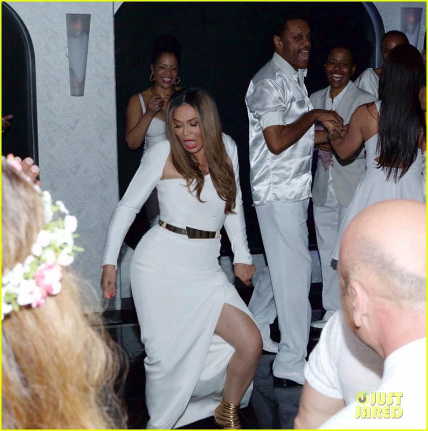 Beyonce, Jay Z, & Blue Ivy Make Funny Faces at Tina Knowles\' Wedding ...