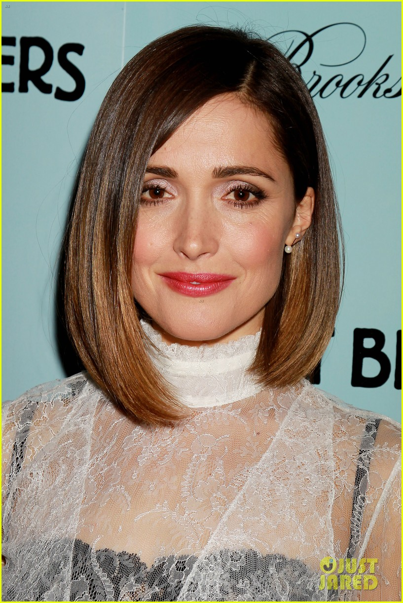 rose byrne shows off her funny australian kookaburra call 053353195
