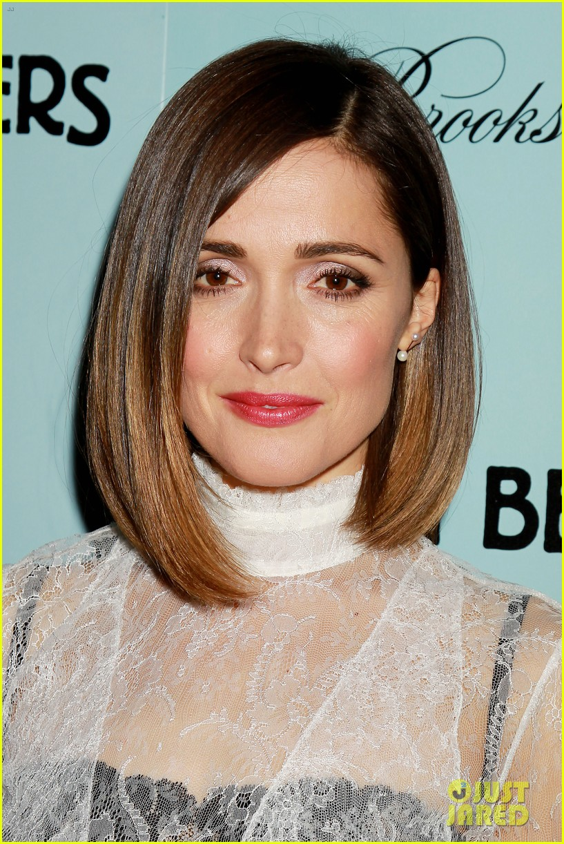 rose byrne shows off her funny australian kookaburra call 153353205