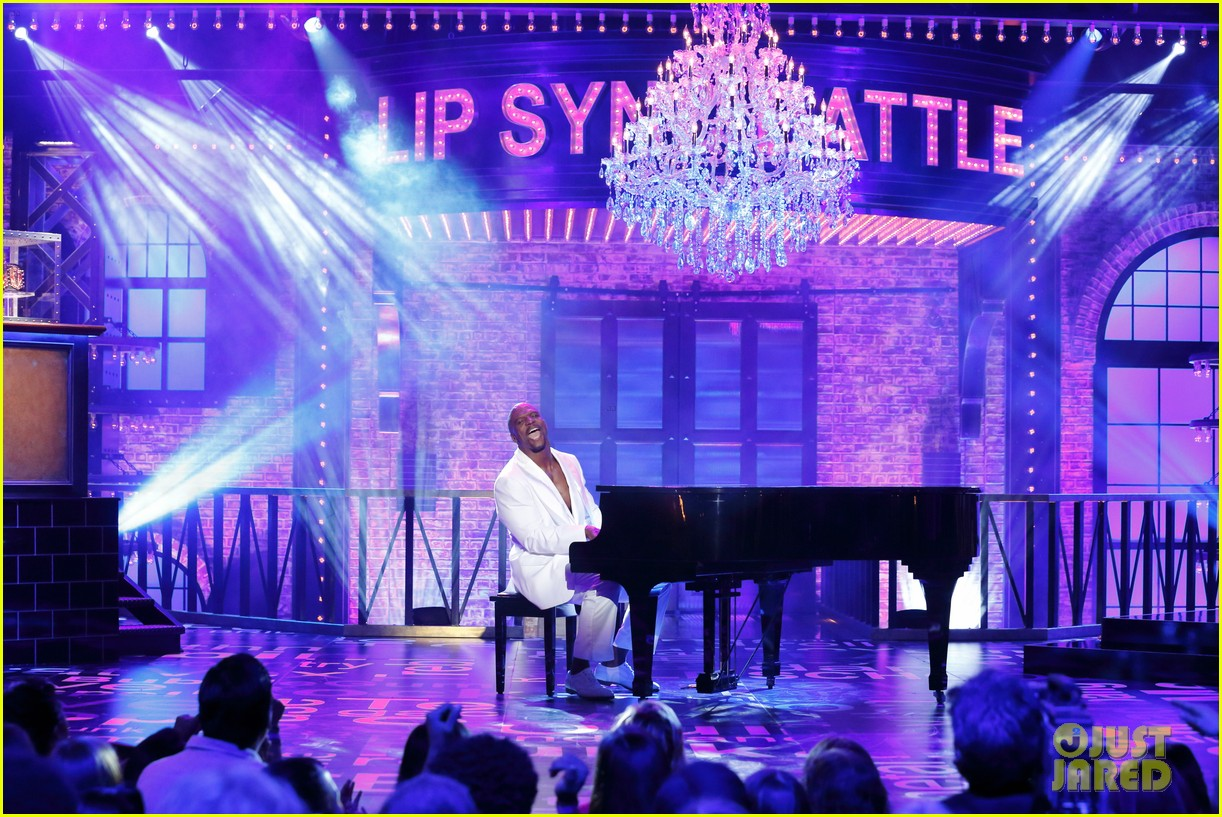Terry Crews Shirtless Lip Sync To A Thousand Miles Is Perfect