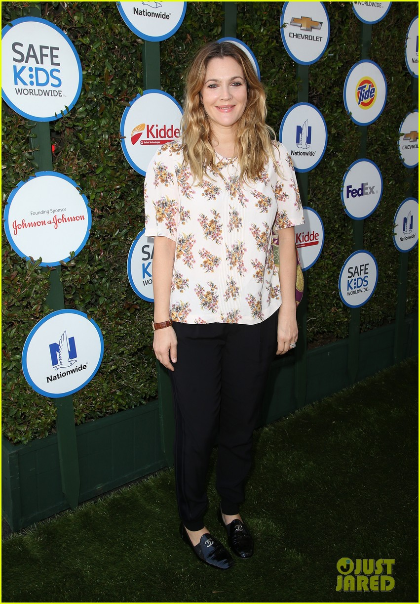 drew barrymore reveals age shed like to remain 133356304