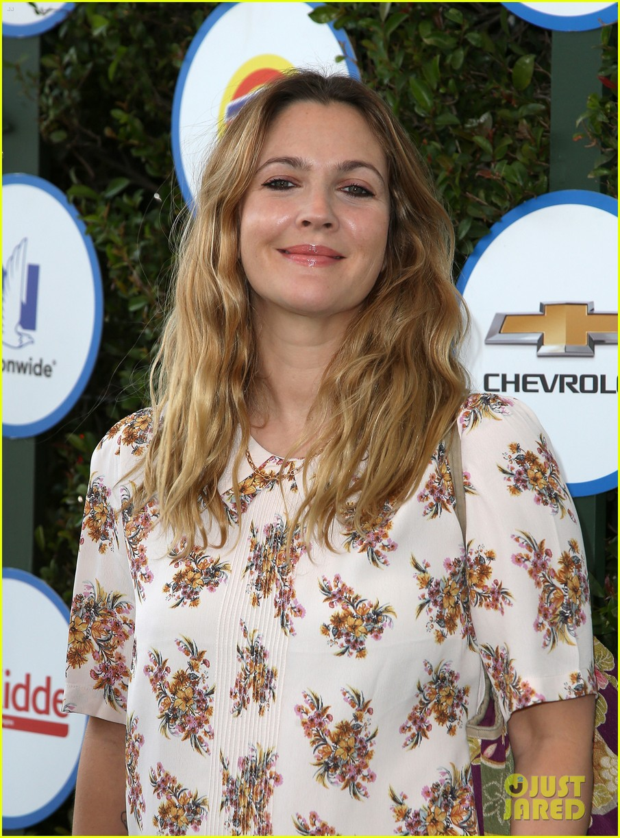 drew barrymore reveals age shed like to remain 153356306