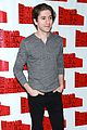 jesse eisenberg brings spoils cast to nyc photo call 10