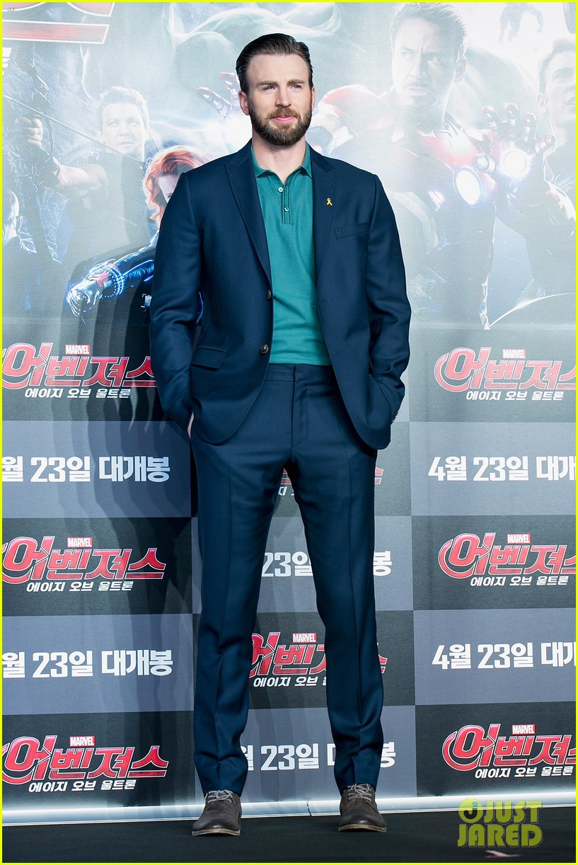 http://cdn01.cdn.justjared.com/wp-content/uploads/2015/04/evans-southkaven/chris-evans-robert-downey-jr-hit-south-korea-with-claudia-kim-for-avengers-11.jpg