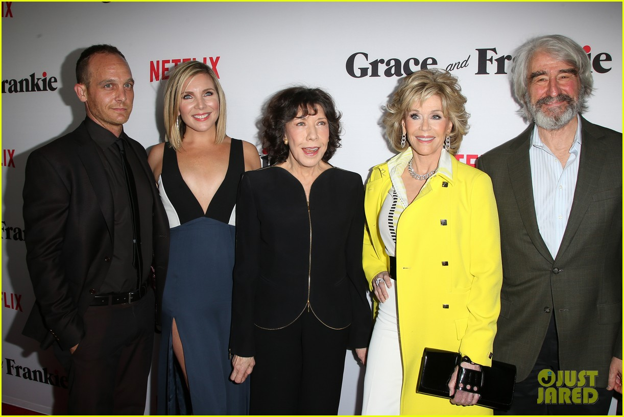 0e1a6633521030 Jane Fonda, Lily Tomlin, & Brooklyn Decker Premiere 'Grace And Frankie'  Ahead of Netflix Debut!