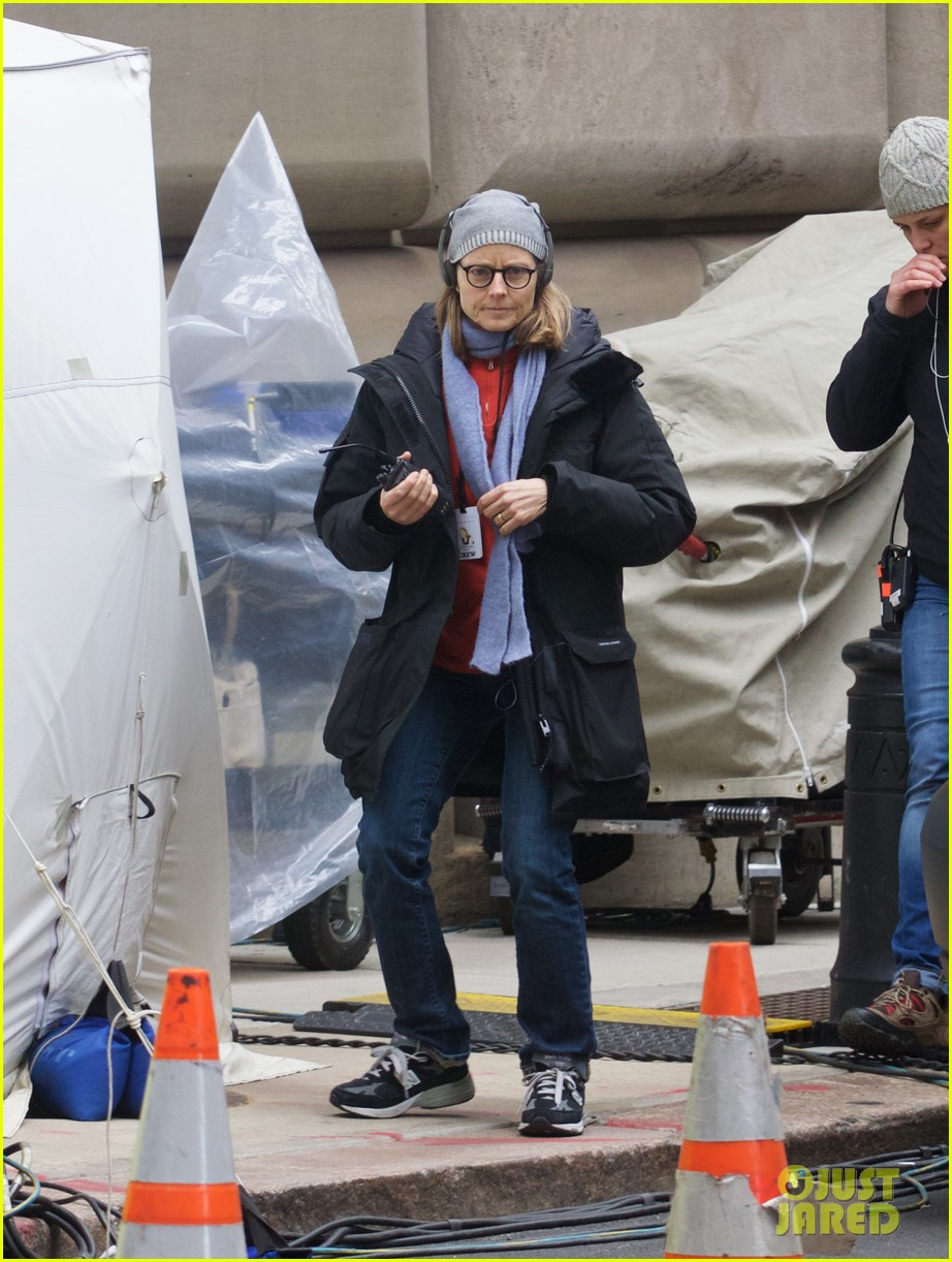 jodie foster grabs food with wife cafe cluny 113355219