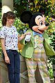 jennifer garner meets mickey mouse at disneyland 10