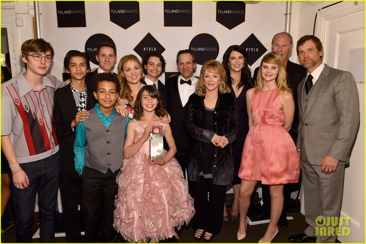 parenthood honor at tv land awards 033344887