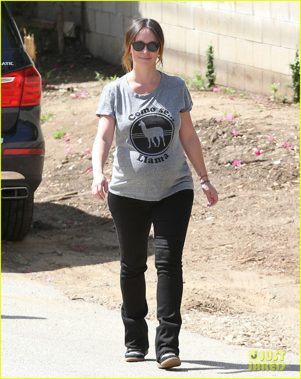 jennifer love hewitt baby bump cute tee 063343616