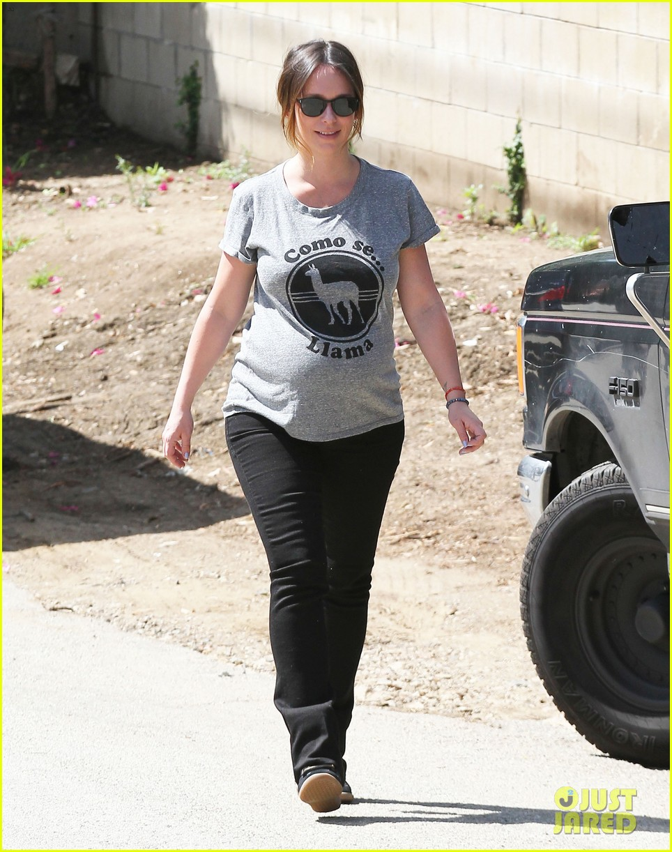 jennifer love hewitt baby bump cute tee 093343619