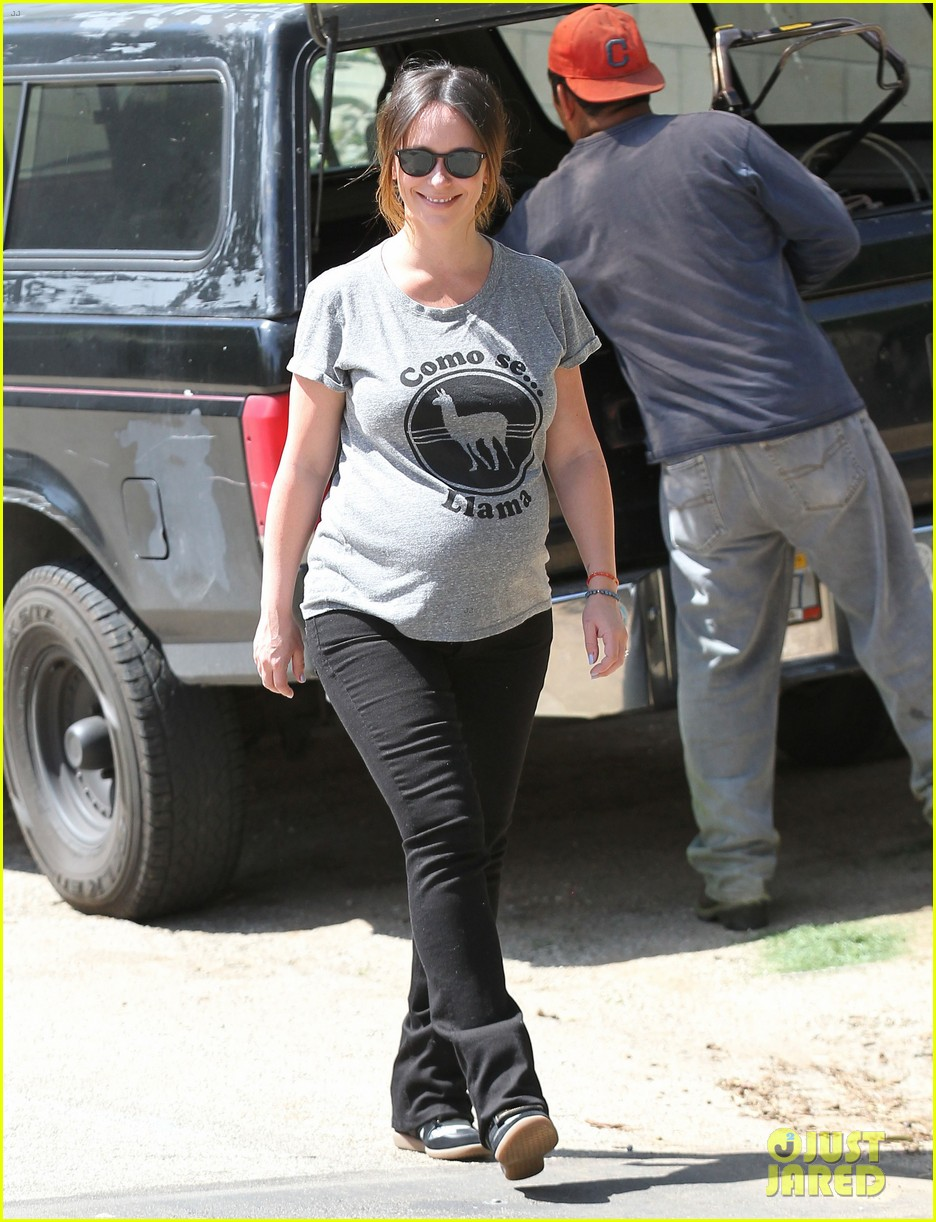 jennifer love hewitt baby bump cute tee 173343627