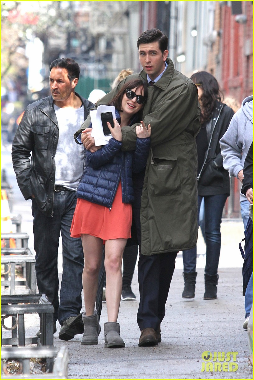 dakota johnson cuddles up to nicholas braun 153354223