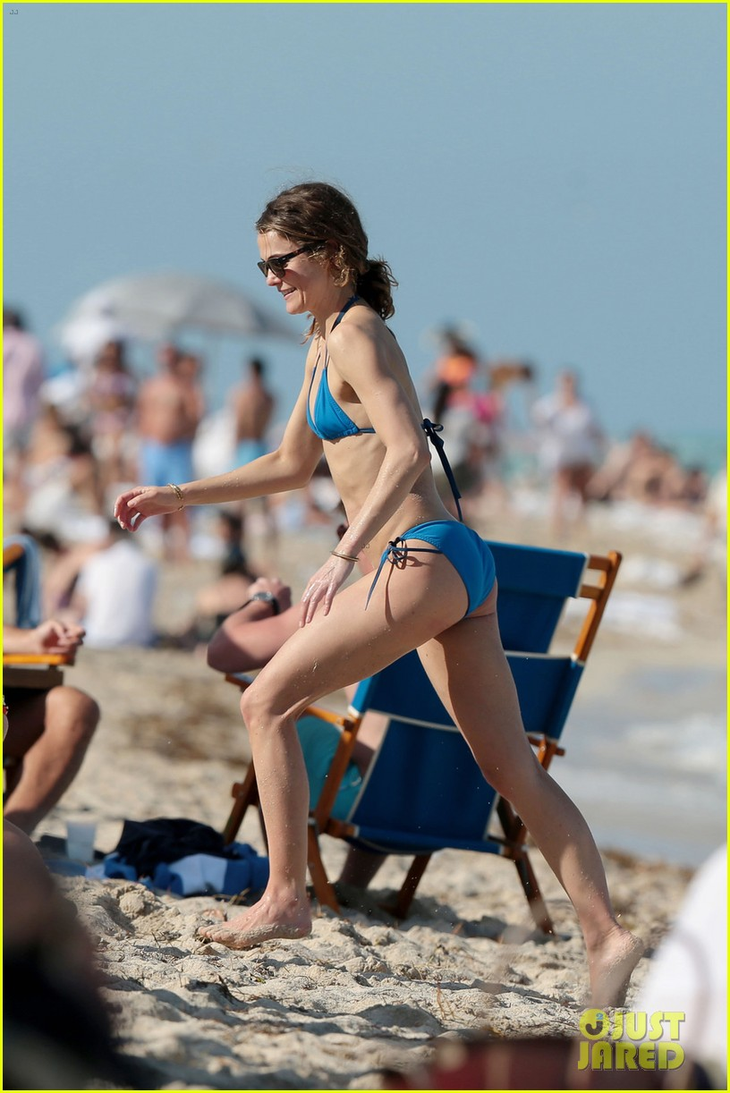 Keri Russell Shows Off Her Bikini Body During Miami Vacation Photo 3343388 Bikini Keri Russell Pictures Just Jared