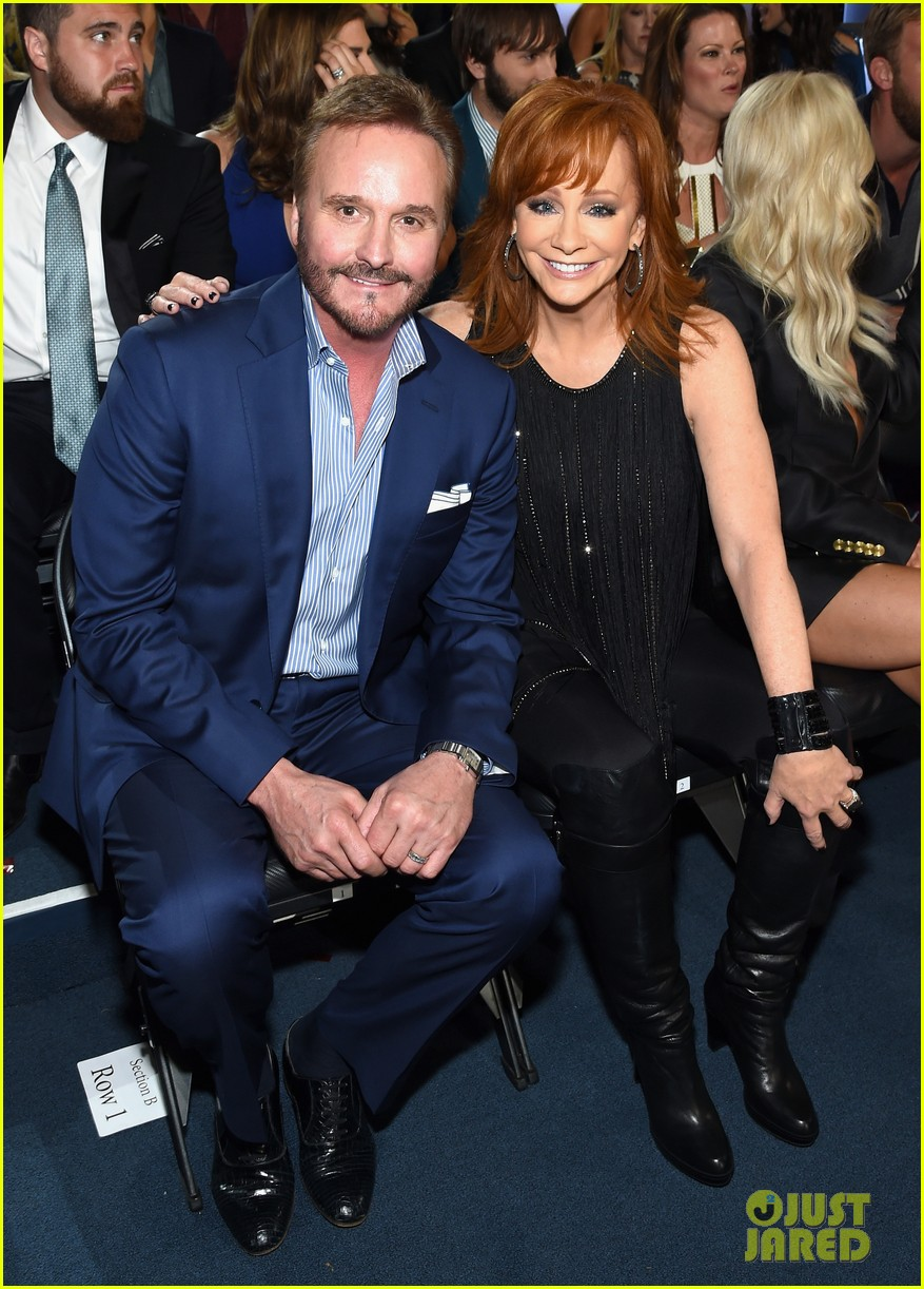 Reba mcentire husband narvel blackstock attend acm for How many kids does reba mcentire have