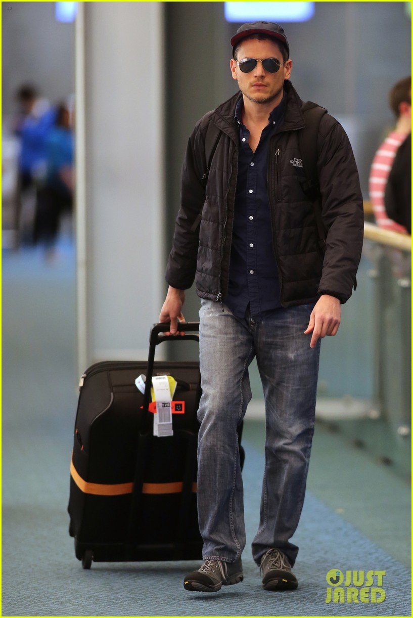 wentworth miller arthur darvill arrive vancouver flash spinoff 013343905
