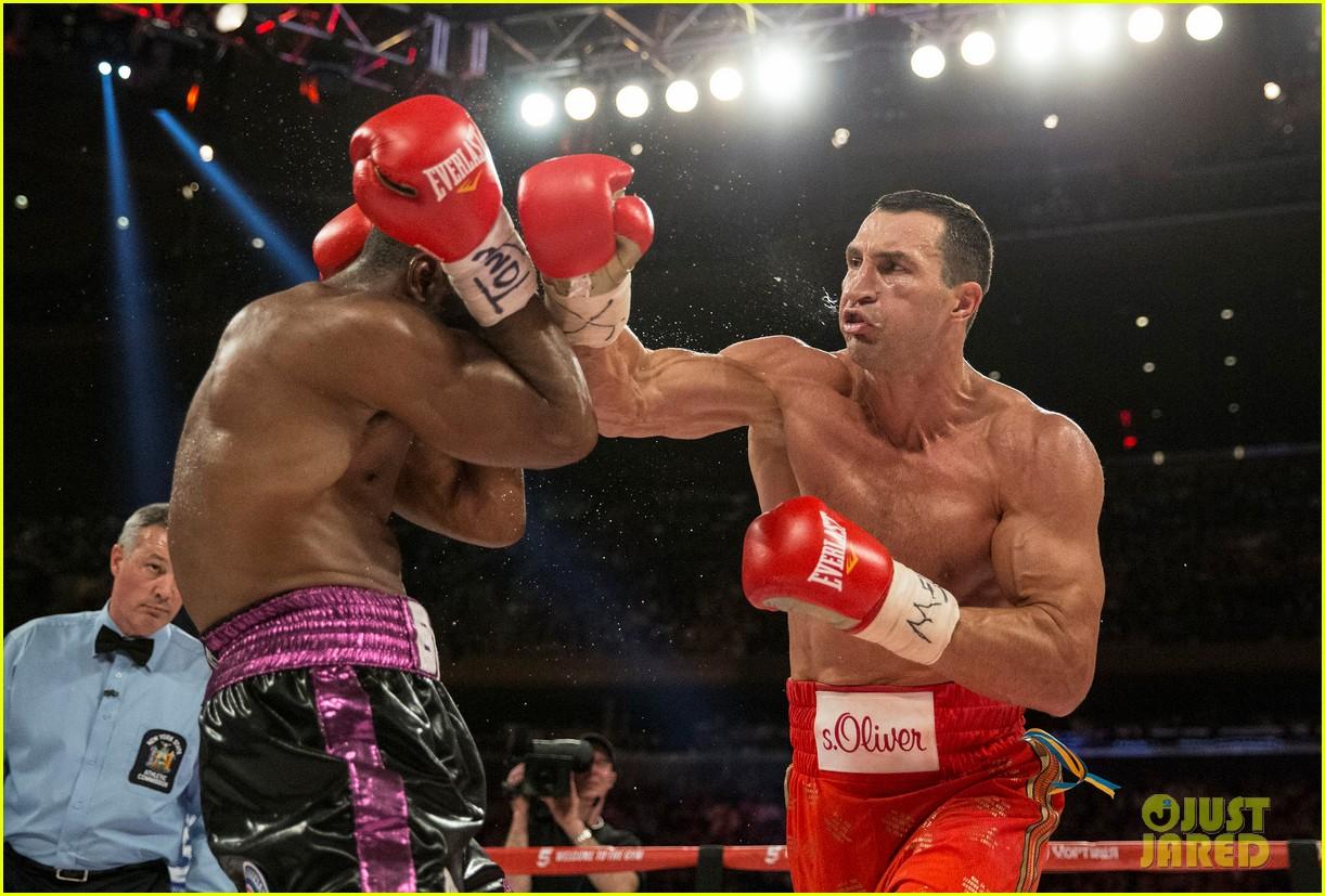 Hayden Panettiere replaced boxer Klitschko for football 28.05.2011 34