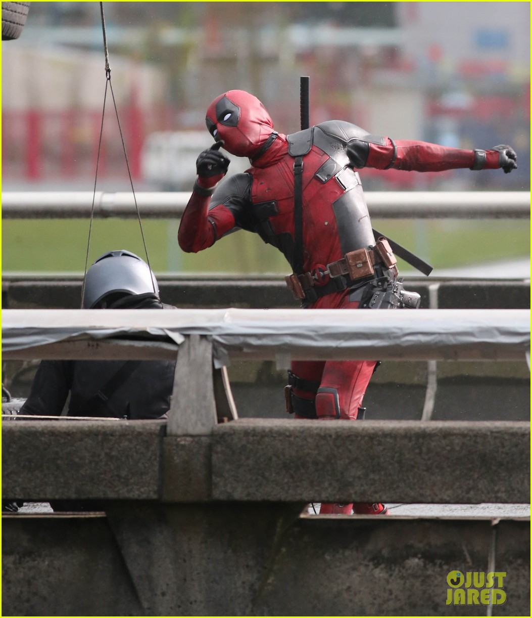 ryan reynolds shoots deadpool after hit run accident 033346298