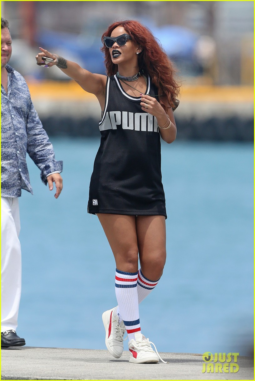 rihanna red hair for boat ride in hawaii 023355243