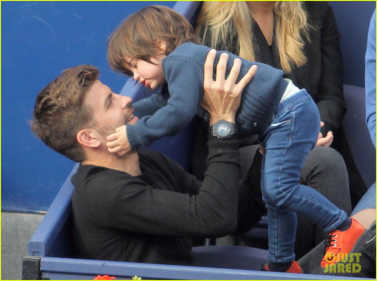 shakira gerard pique bring milan to watch tennis 013356158