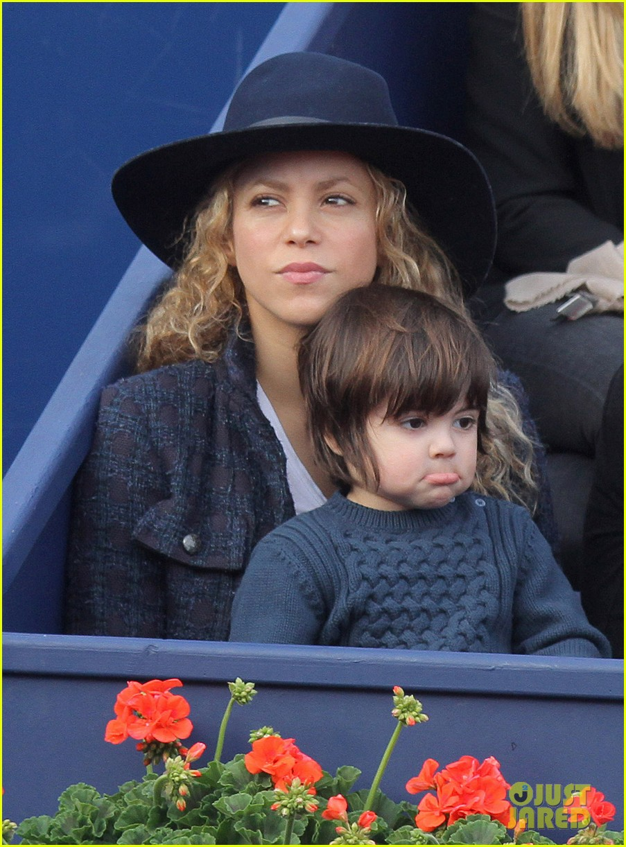 shakira gerard pique bring milan to watch tennis 023356159