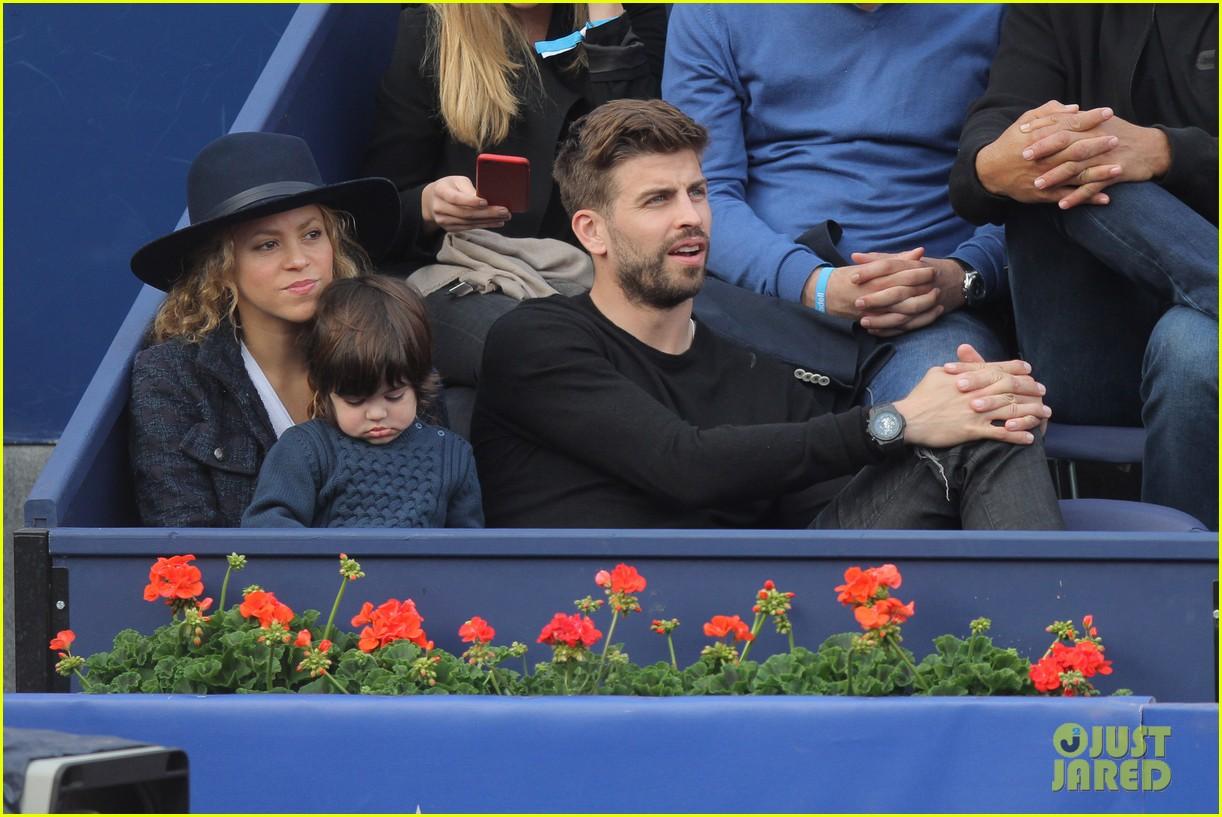 shakira gerard pique bring milan to watch tennis 033356160