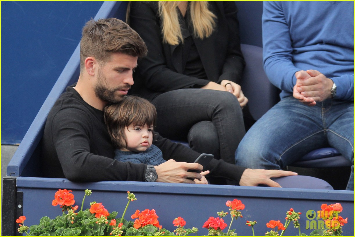 shakira gerard pique bring milan to watch tennis 073356164