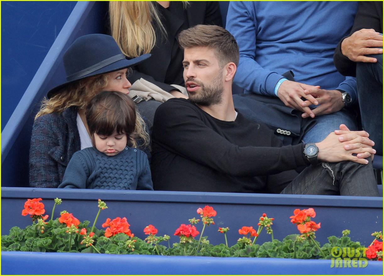 shakira gerard pique bring milan to watch tennis 103356167