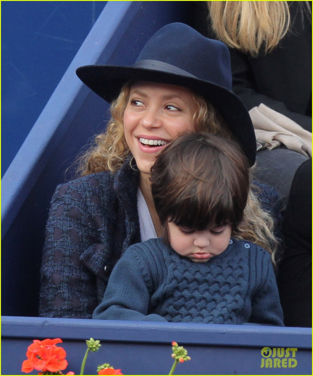 shakira gerard pique bring milan to watch tennis 123356169