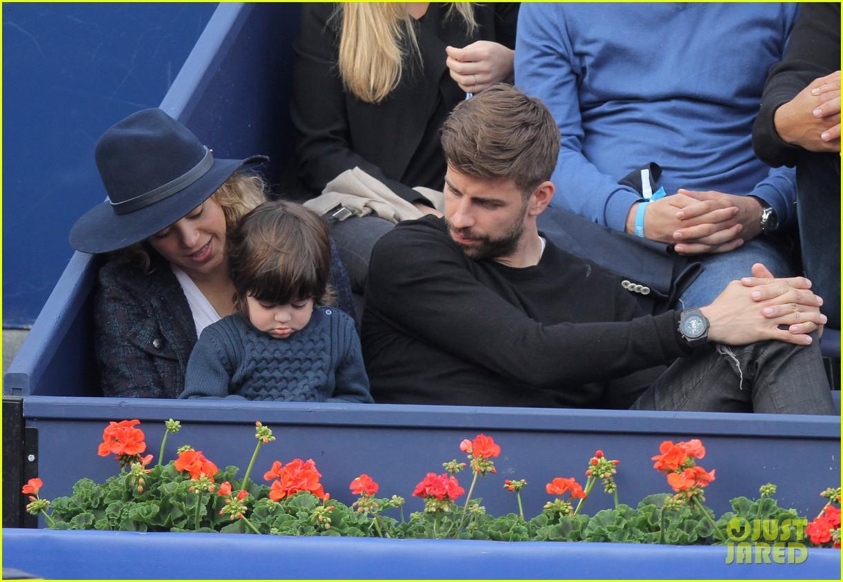 shakira gerard pique bring milan to watch tennis 143356171