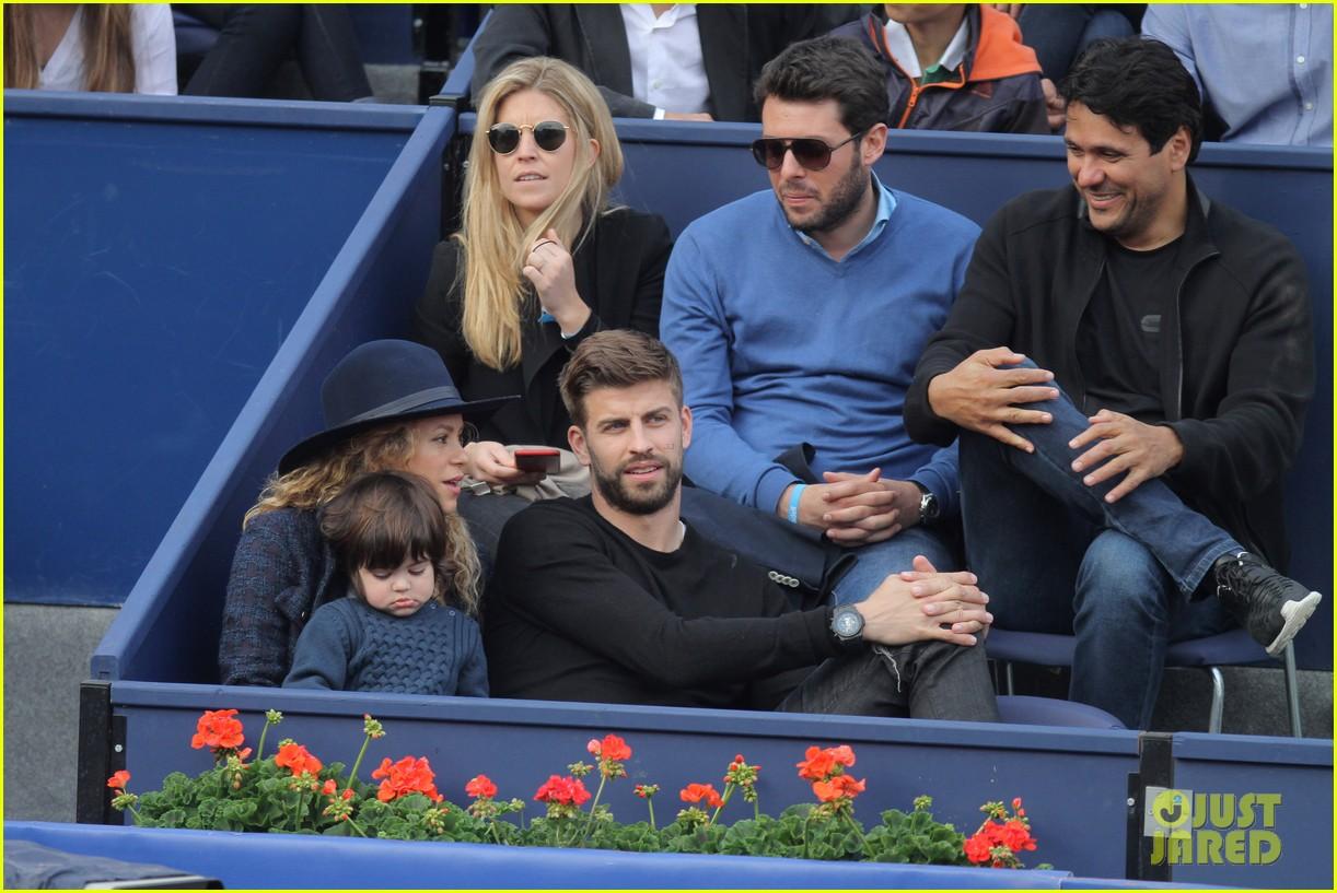 shakira gerard pique bring milan to watch tennis 153356172