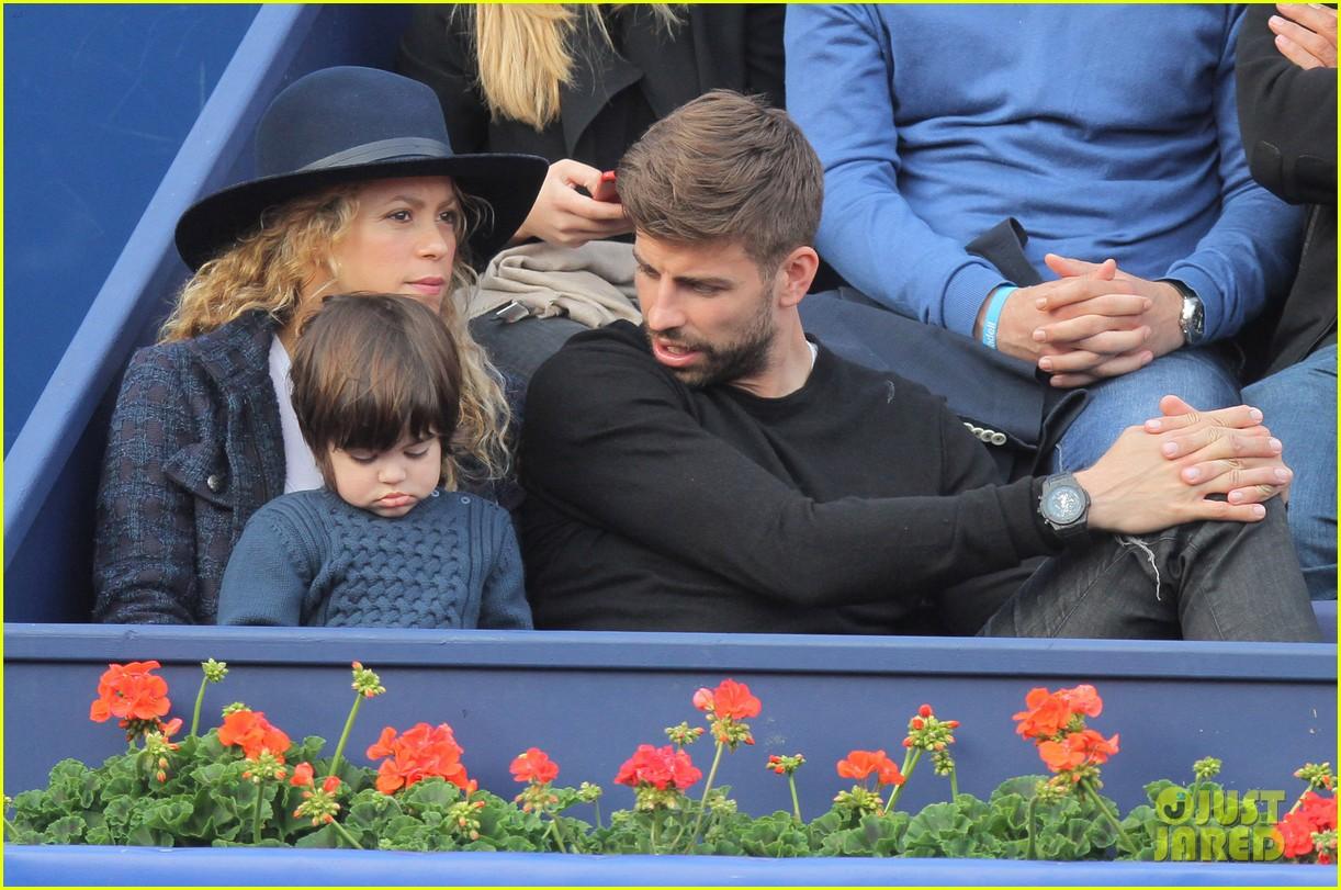 shakira gerard pique bring milan to watch tennis 183356175