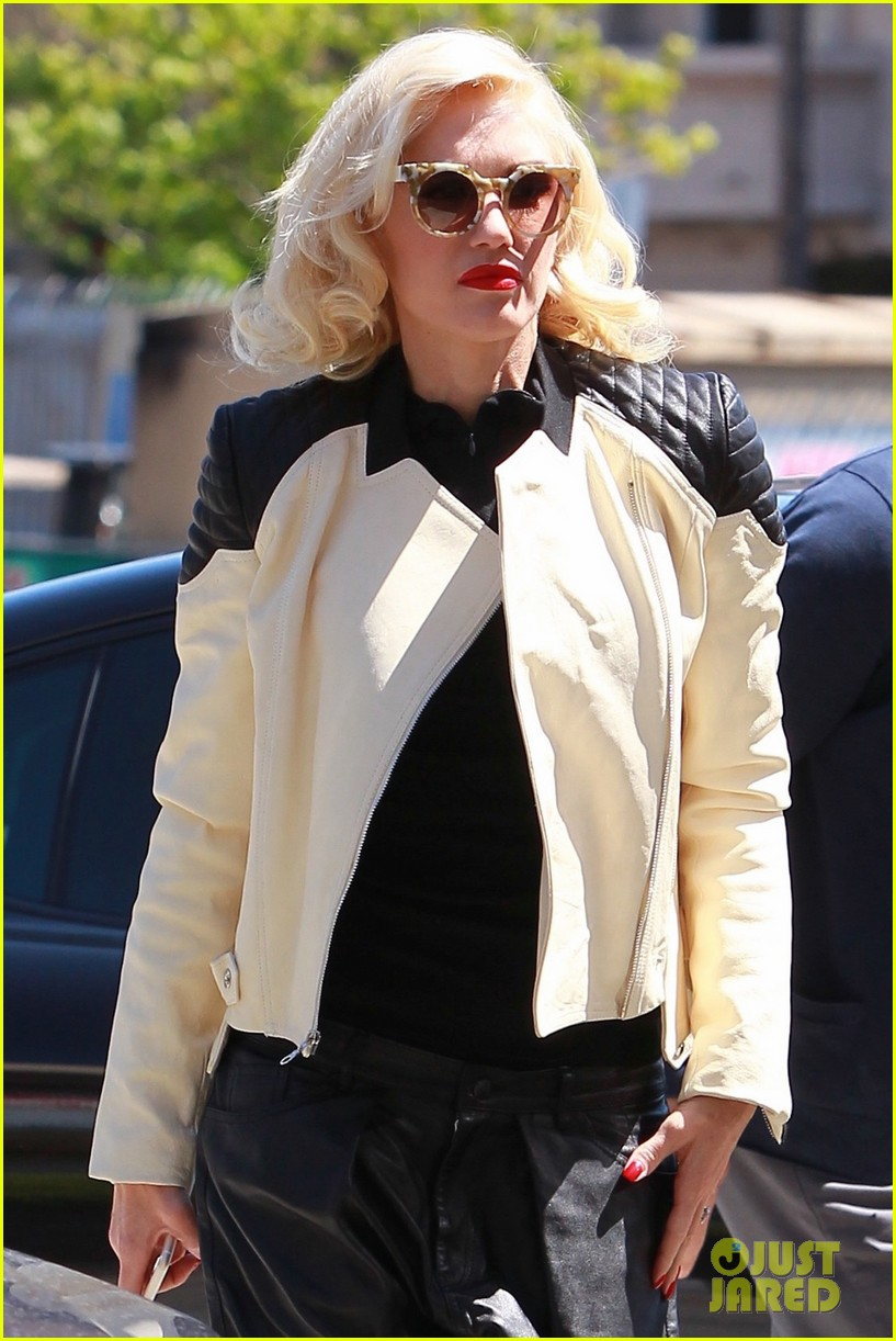 Gwen Stefani What >> Full Sized Photo of gwen stefani leather shorts appointment 01 | Photo 3342968 | Just Jared