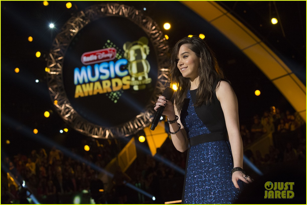hailee steinfeld radio disney music awards 2015 043356803