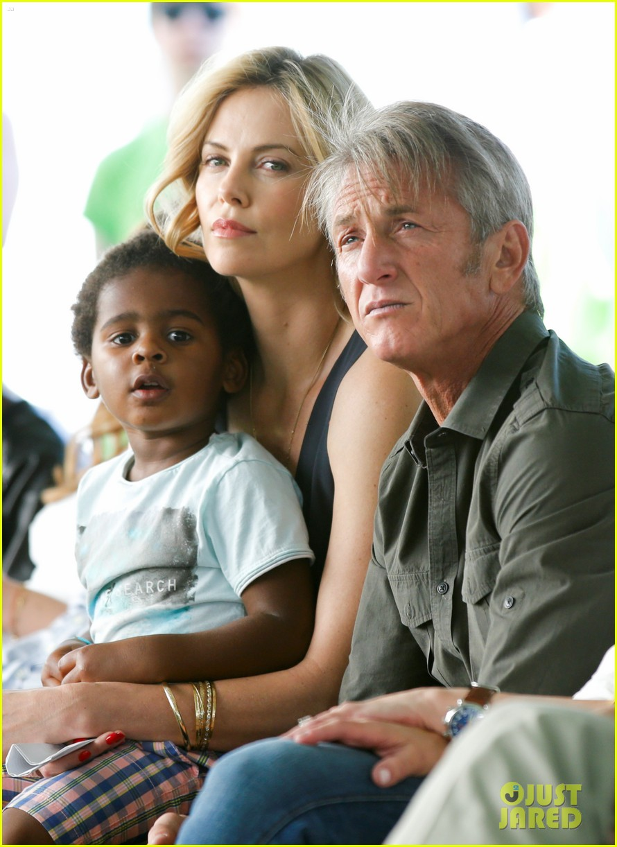charlize theron sean penn bring jackson to charity event 023351402