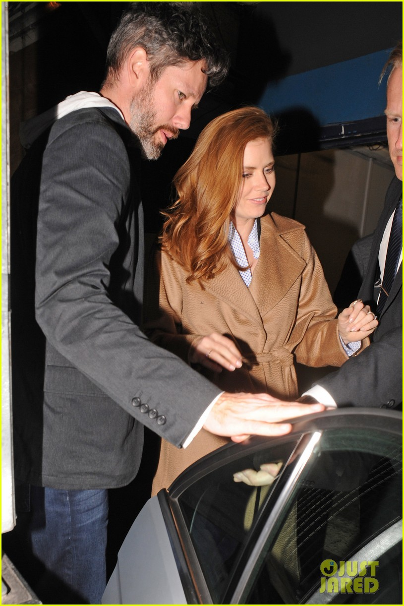 amy adams husband darren le gallo step out for first time after small wedding 103375064