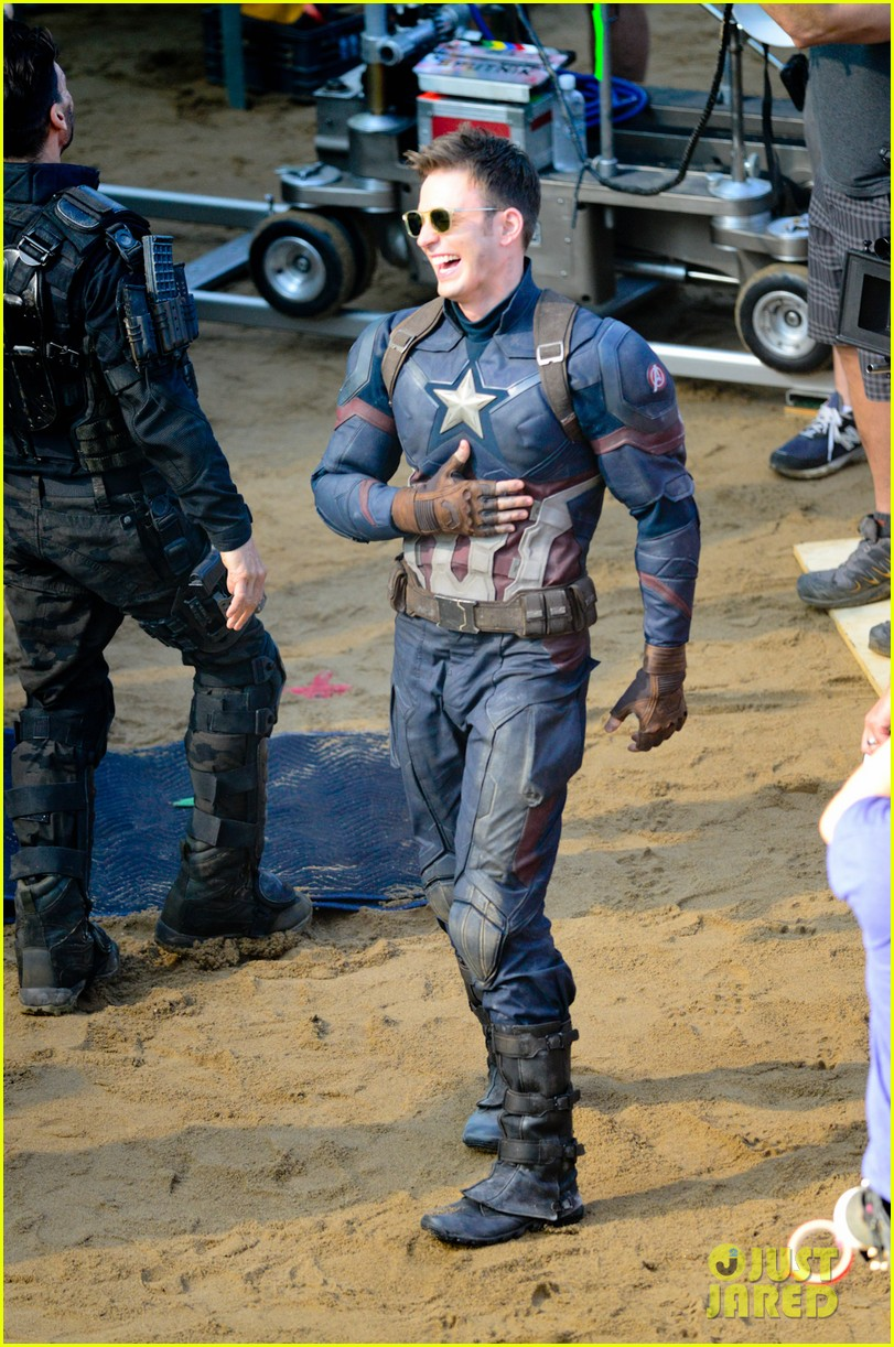Franchise Marvel/Disney #3 Captain-america-civil-war-cast-had-great-time-on-set-31